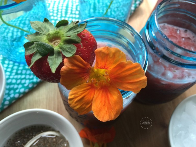 For this strawberry chia agua fresca recipe I am also using a special garnish that came from my edible garden