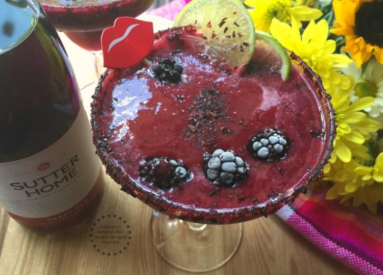 Vino Rita de Zarzamoras y Habanero hecha con Sutter Home Sweet Red Wine