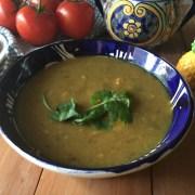 Sopa de Habas con Cúrcuma