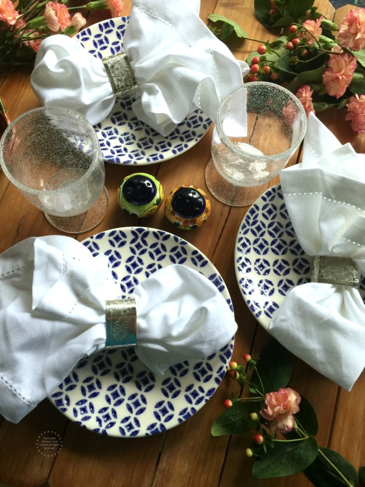 Table set up inspired in traditional poblano elegance