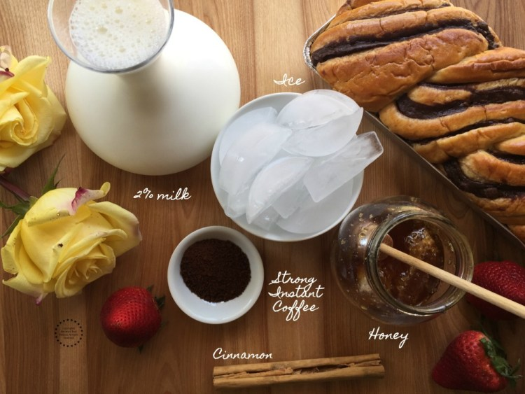 Ingredients to make the Mexican Milk Coffee Frappe
