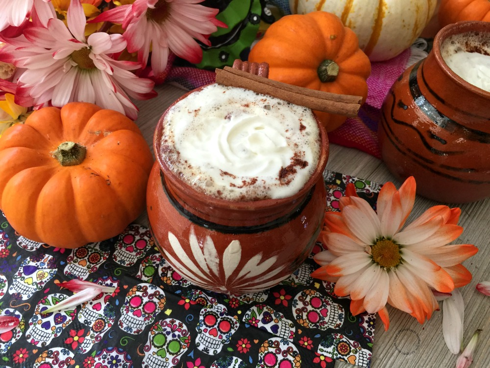 Cafe de Olla con Especia de Calabaza para el Día de Muertos