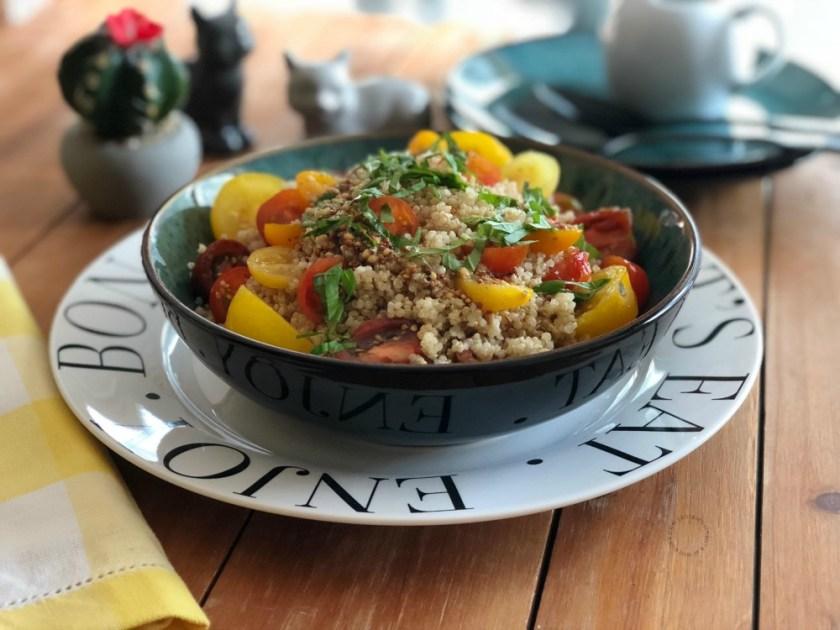 Ensalada Tibia de Quinua y Tomatitos