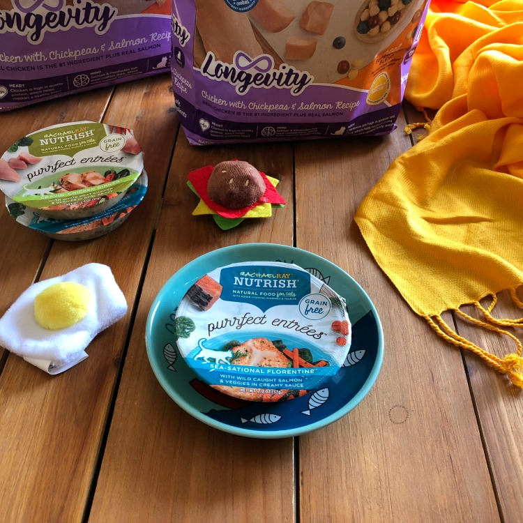 My cats enjoyed NEW Rachael Ray™ Nutrish® Purrfect Entrees™ Fin-Tastic Primavera™ Recipe