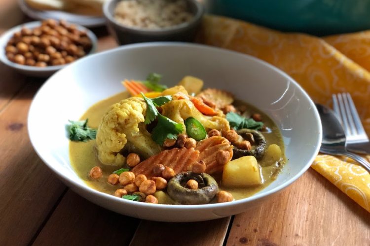 Meet our version for Vegetable Korma, inspired by the original Indian cuisine and one of our top vegetarian dishes for the weekly menu!