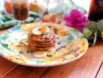 Flourless pancakes using banana, egg, and oats. Served with honey, pepitas, and honeycomb.