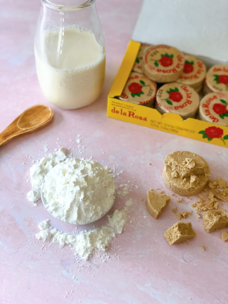 Ingredients for making the peanut atole include cornstarch, milk, and Mexican mazapan
