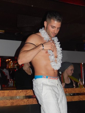 adriano stripteaseur chippendale