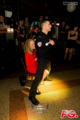 adriano stripteaseur police