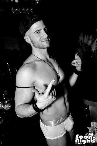 stripteaseur adriano