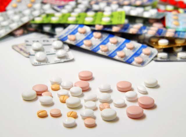 皮膚科のニキビ治療は薬を使った対症療法