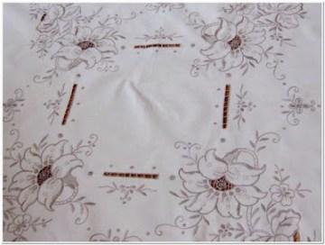 Contoh Motif bordir Bunga Untuk taplak meja