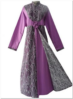 Contoh gamis batik kombinasi kain polos