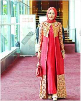 Inspirasi dress kebaya hijab artis