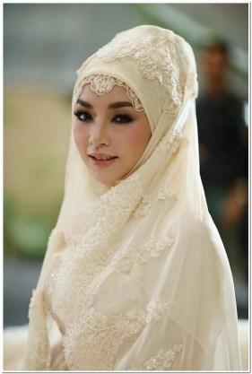 Busana Jilbab pengantin muslimah modern