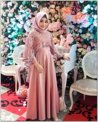 Model Style pakaian hijab ke pesta remaja