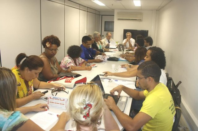 Governo baiano cria impasse nas negociações sobre o quadro de vagas nas Ueba