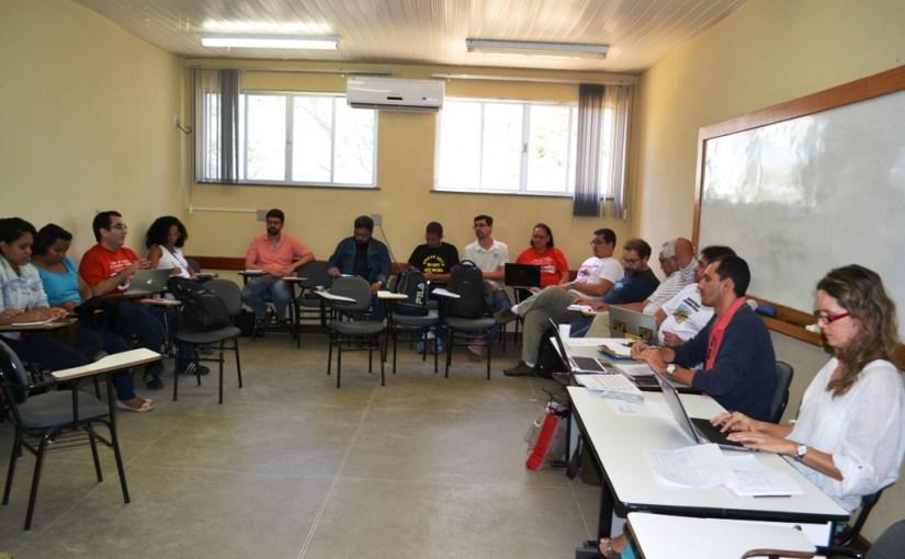 Governo ameaça universidades estaduais e Fórum das Doze indica endurecimento na luta