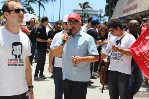 Presidente da ADUSC, José Luiz de França, durante mobilização na ALBA . Foto: Ascom ADUNEB