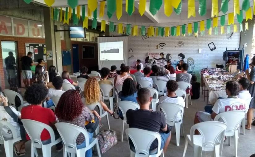 """Mesa realizada na UESC discutiu """"Cortes na pesquisa e educação"""""""