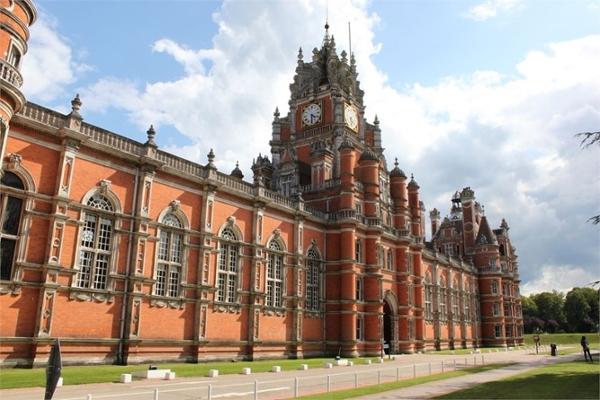 Royal Holloway Installs Shower Pods In Refurbishment Of