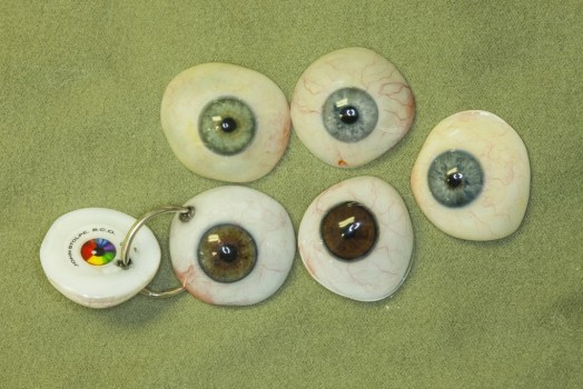 digital prosthetic eyes