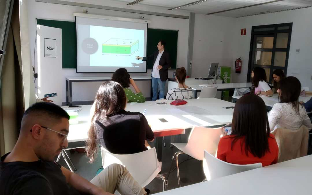 Workshop on advanced materials at the Elisava School of Design and Engineering