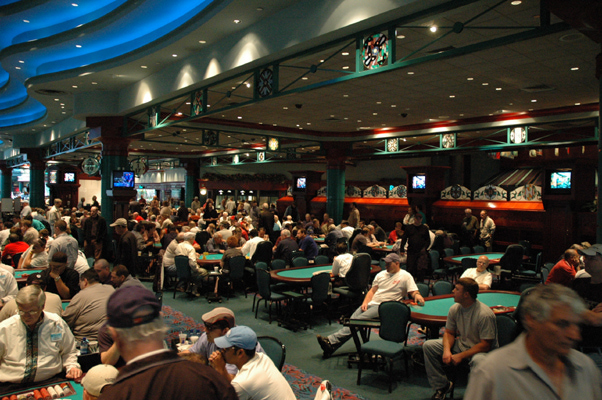 Early Poker Tournament Stages