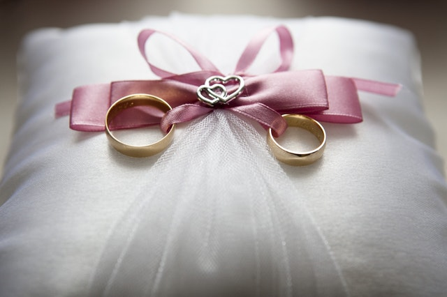 Advantages and Disadvantages of Marriage