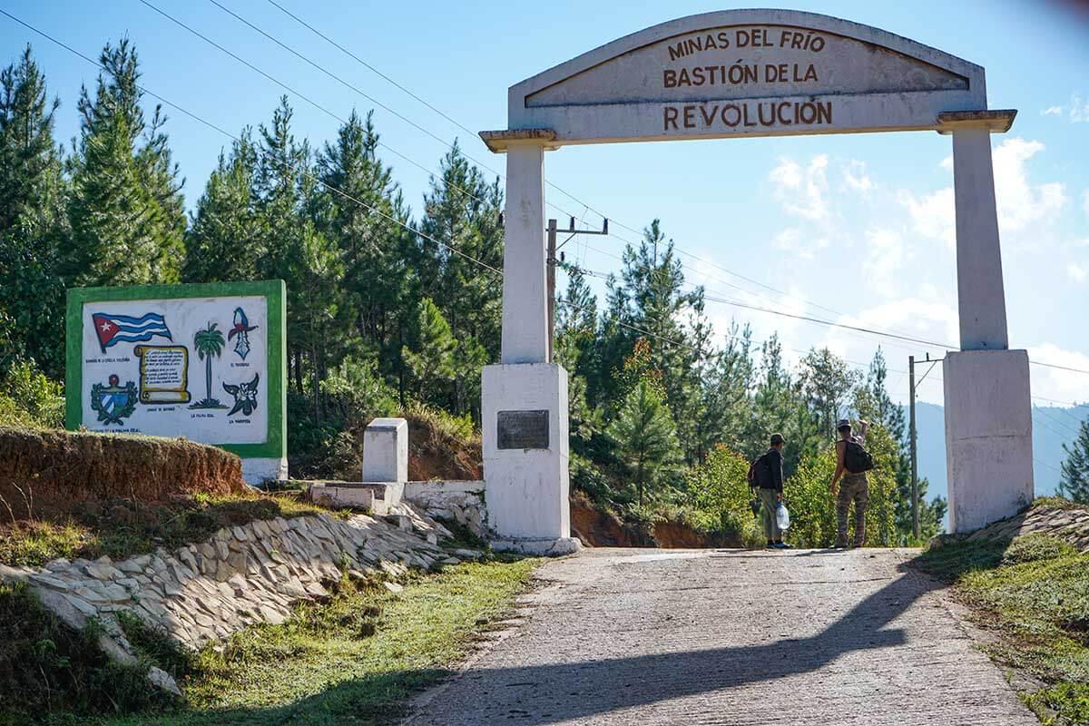 The gate into Minas del Frio.