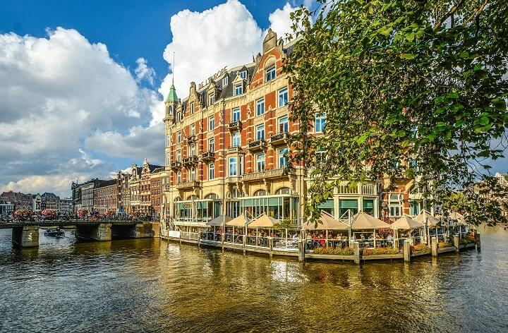 where to find a hotel in amsterdam
