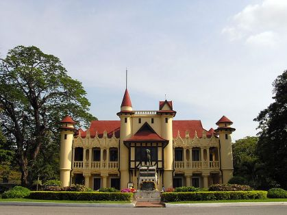 Sanam-Chandra-Palace-Nakhon-Pathom-Chali-Mongkol-Asana