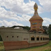 Wat Sombon The Boat Temple, Sisaket