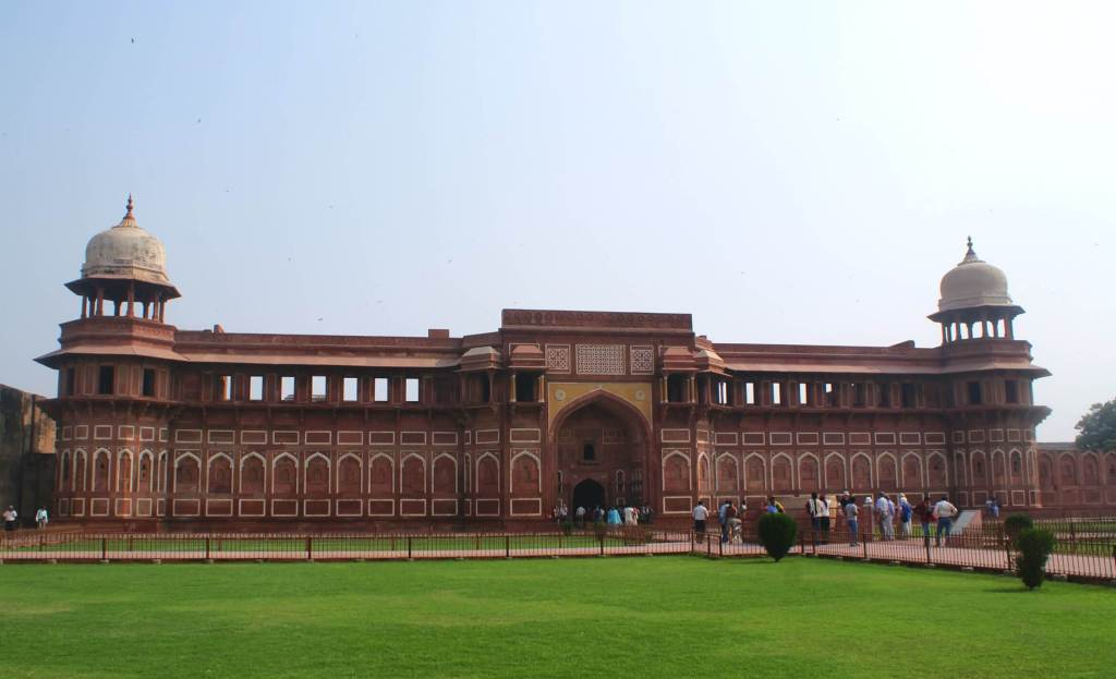 Around the grounds of the Agra Fort.
