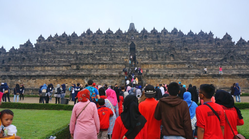 Mass of people arriving at Borobudur as I was leaving.