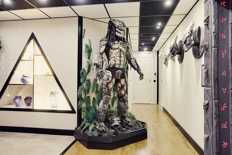 predator-house-yes-a-fullsize-predator