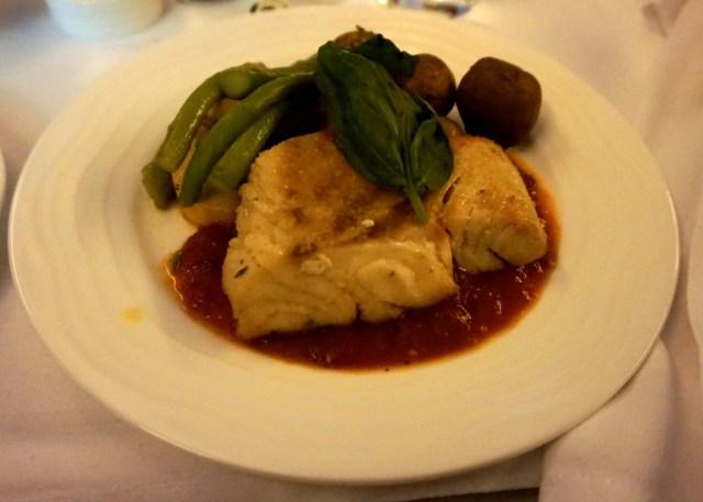 business-class-emirates-qantas-boeing-777-grouper-lunch