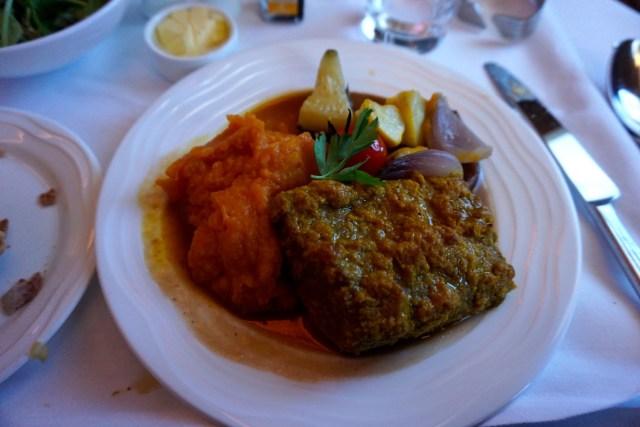 emirates-business-class-a380-dubai-paris-lunch