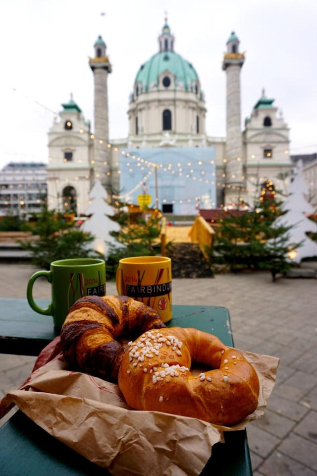 karlplatz-christmas-market-vienna