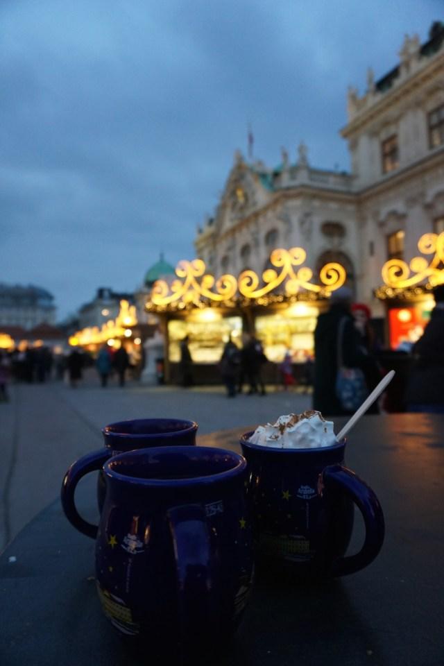 christmas-market-vienna-belvedere