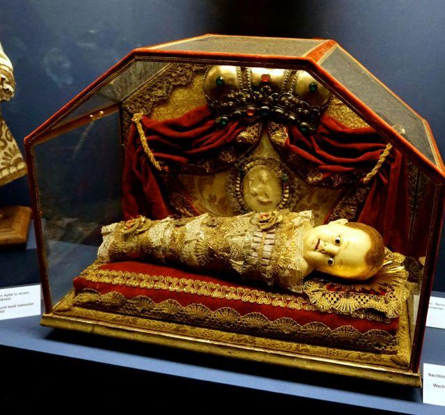 nativity-scene-bamberg-babyjesus