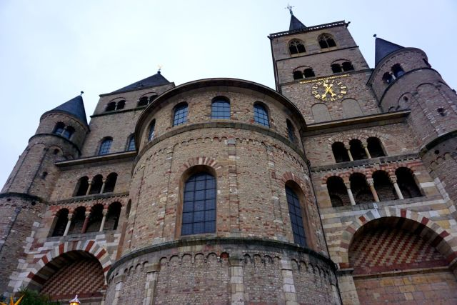 a day in trier cathedral st peter