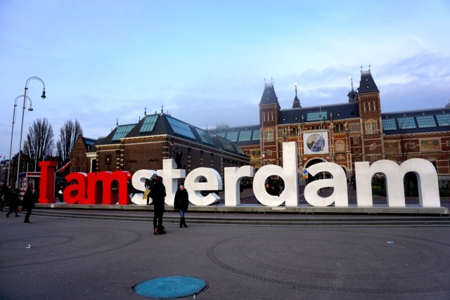 what to do in amsterdam iamsterdam sign