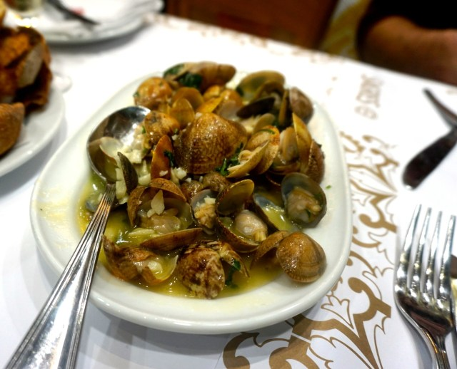 what to eat in portugal lisbon porto clams ramiro