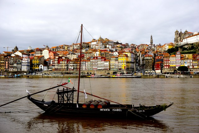 what to do in porto portugal port wine tasting tour