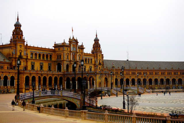 what to do in seville plaza espana