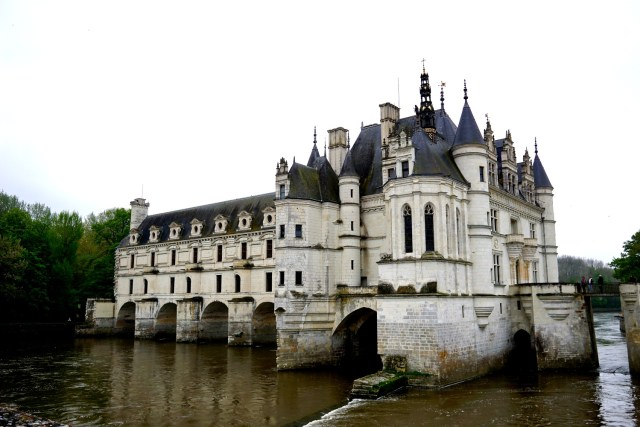 day trip to the loire valley from paris chenonceau