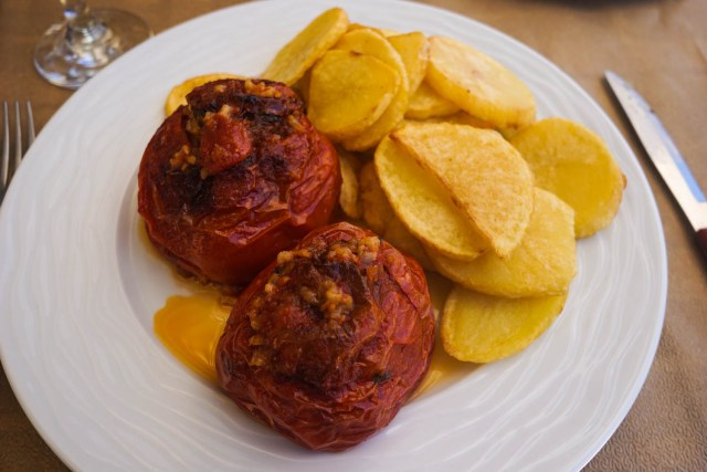 what to eat in greece yemista stuffed tomatoes