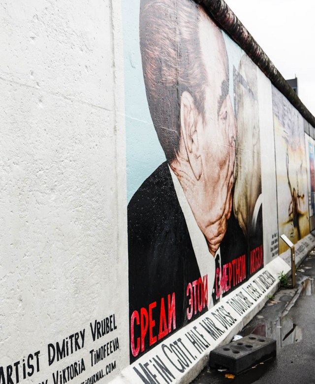 what to do in berlin berlin wall east side gallery