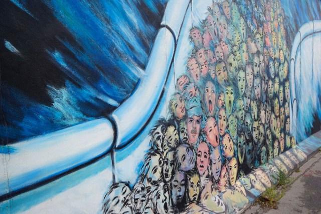 what to do in berlin berlin wall east side gallery